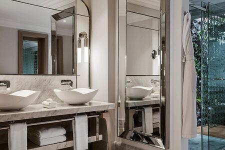 villa one bathroom at le saint geran hotel mauritius