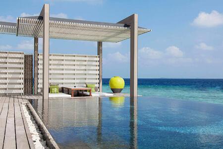 pool at cheval blanc randheli hotel maldives