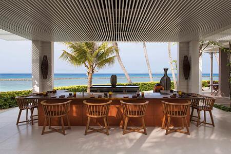 dining at cheval blanc randheli hotel maldives