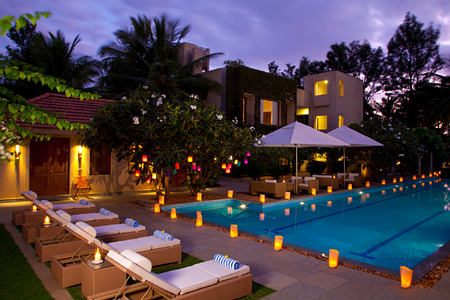 pool at shreyas hotel india