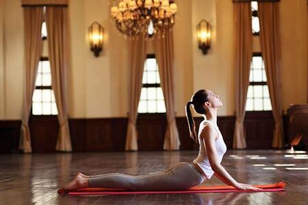 yoga at ananda himalayas hotel india