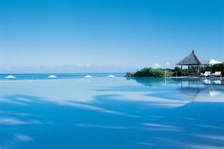 infinity pool at como parrot cay resort caribbean
