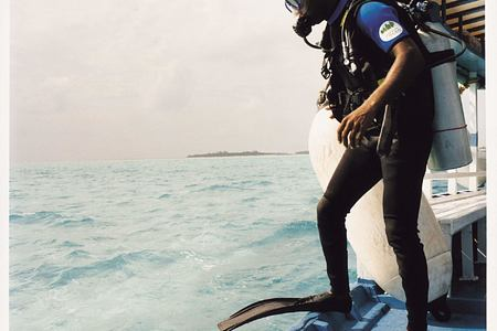 diving at Cocoa Island by COMO Resort Maldives