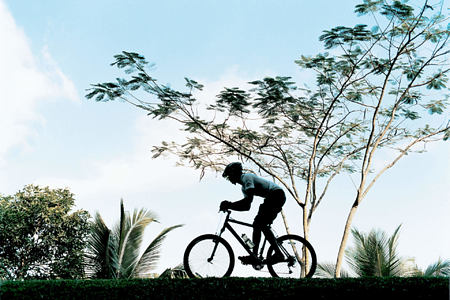 mountain biking at como shambhala estate bali