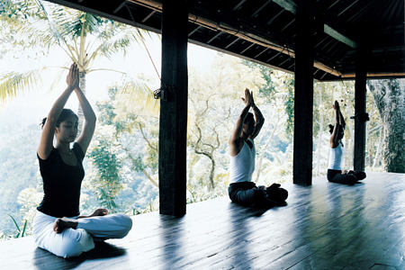 sitting yoga at como shambhala estate bali