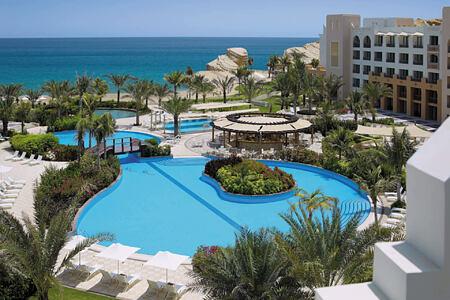 pool at shangri la barr al jissah resort oman