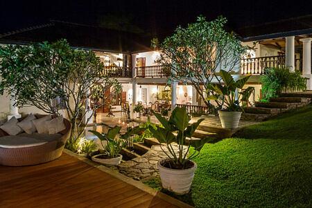 night exterior at clingendael hotel sri lanka