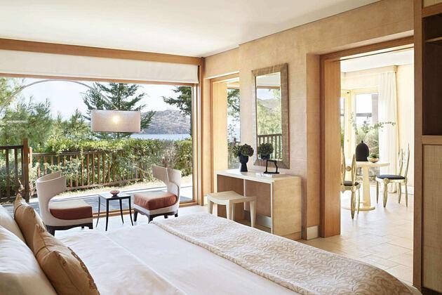Honeymoon villa, a luxury accommodation overlooking the temple of poseidon at Cape Sounio