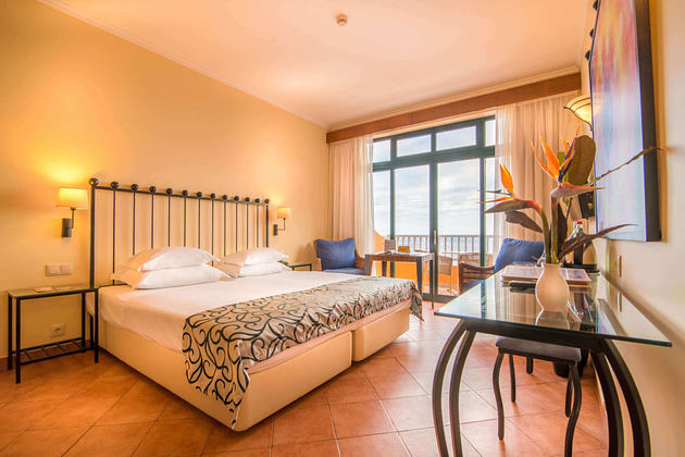 room of alpo atlantico hotel portugal