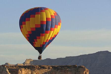 hot air balloon at amangiri resort usa