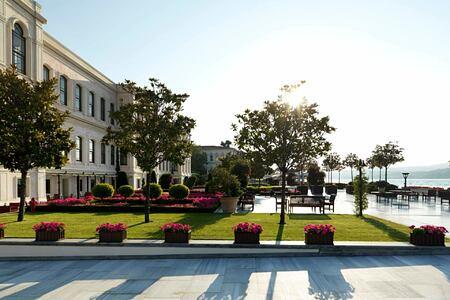 exterior at four seasons bosphorus hotel turkey