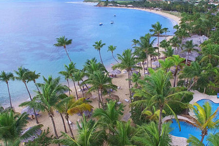 beach at curtain bluff resort caribbean