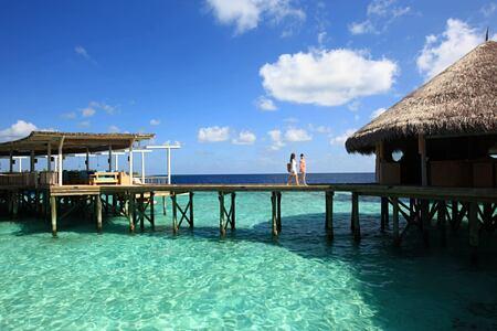 chill and essence at six senses laamu hotel maldives