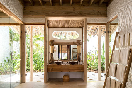 Crusoe Villa Suite with Pool_Bathroom at Soneva Fushi Beach Resort Maldives