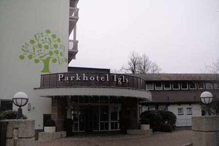 entrance at parkhotel igls hotel austria