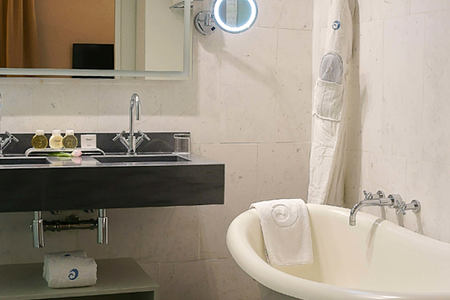 bathroom at hospes maricel and spa mallorca