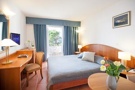 Deluxe seaview balcony double at Hotel Odisej Croatia