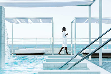 hydrotherapy rooftop pool at metropolitan by como usa