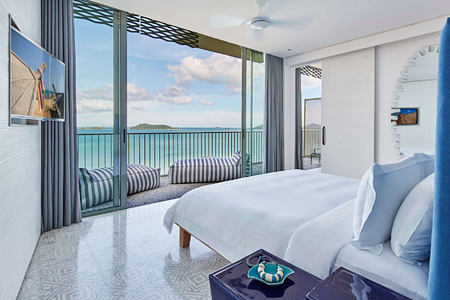 bay suite bedroom at point yamu by como hotel thailand