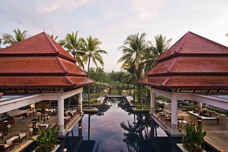 pool at banyan tree hotel phuket