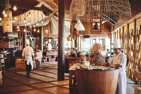restaurant at lux maldives resort