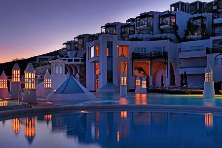 Infinity Pool at barbados bay hotel turkey
