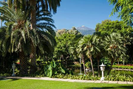garden at hotel botanico tenerife