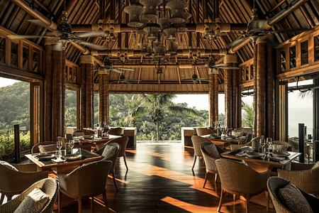 dining at four seasons samui thailand