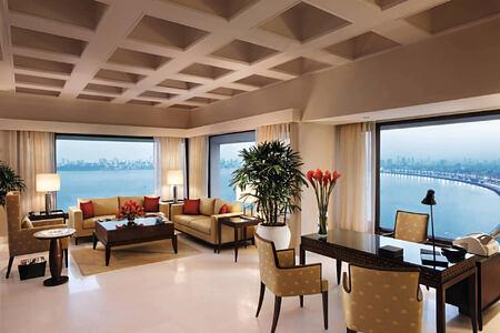 Kohinoor Presidential Suite Living Room at The Oberoi Mumbai