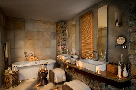 Kwandwe Ecca Lodge suite bathroom south africa