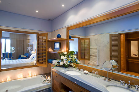 LUXURY SUITE SEA VIEW SHARING POOL - Bathroom at elounda bay palace hotel greece
