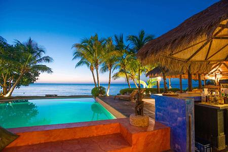 sunset bar and lounge at laluna hotel caribbean