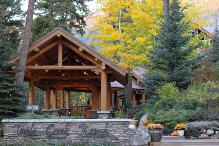 Lodge - Fall at triple creek ranch usa