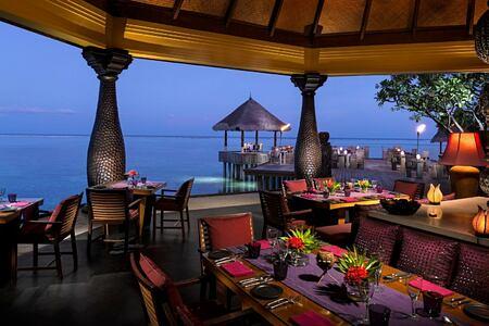 restaurant at four seasons kuda huraa resort maldives