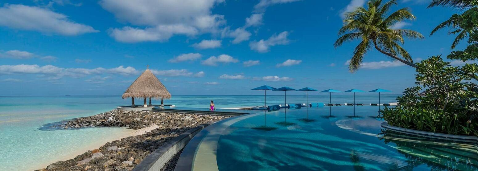 beach at four seasons kuda huraa resort maldives