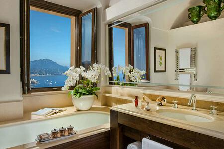 Bathroom at monastero santa rosa