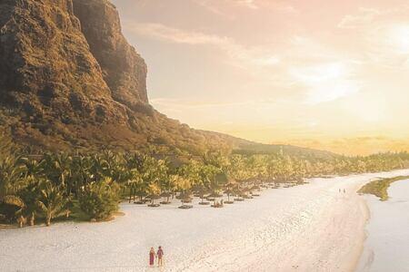 beach at dinarobin hotel mauritius