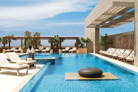 pool at four seasons mumbai hotel