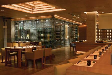 dining at four seasons mumbai hotel
