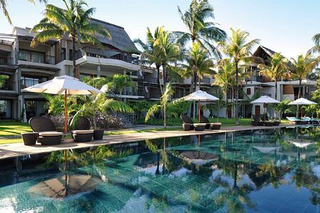 pool at royal palm hotel mauritius