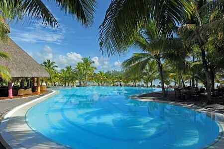 pool at shandrani resort mauritius