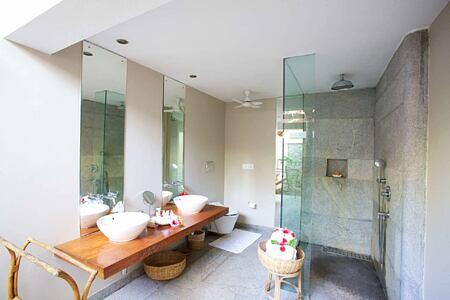 bathroom at Neeleshwar hotel