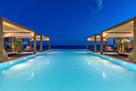 Oasis Pool Lounge at Santa Marina