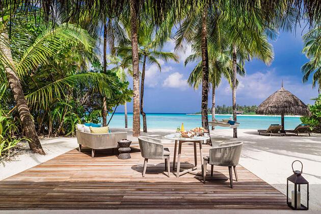 beach villa outdoors at reethi rah resort maldives