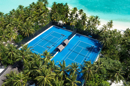 tennis court at reethi rah resort maldives