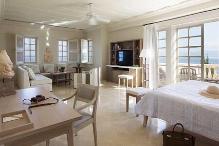 Junior panorama suite at anassa hotel cyrpus
