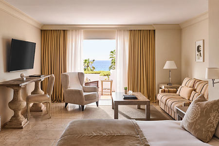 junior suite beach at puente romano hotel marbella