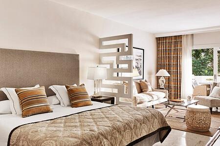 junior suite at puente romano hotel marbella