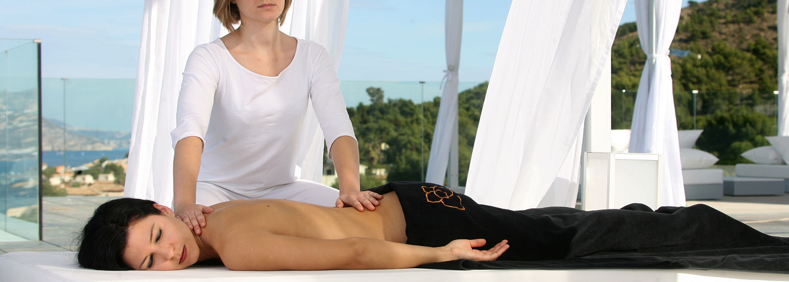 SHA Wellness Clinic outdoor massage