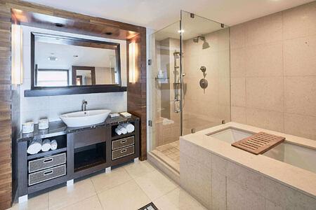 suite bathroom at carillion hotel usa